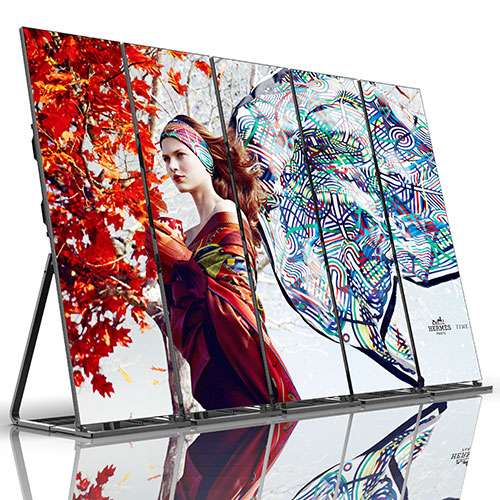 Five Display Poster 2.5mm Screens, Standing, Front Oblique View